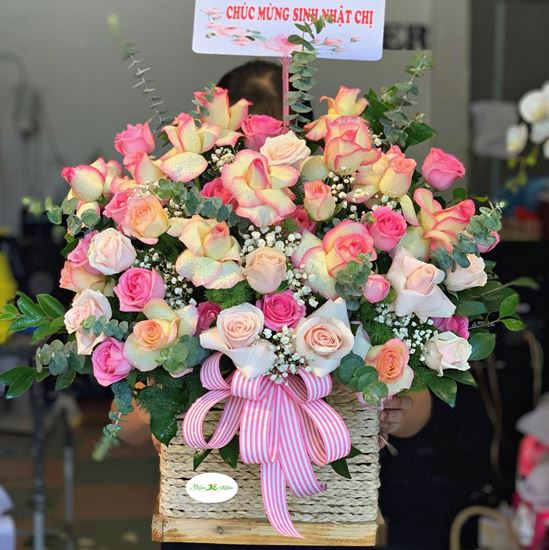 Hoa giỏ hồng son môi- HG115