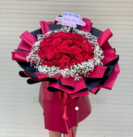 Bó hoa hồng đỏ điểm baby trắng - HB196