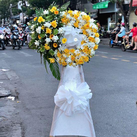 Vòng hoa viếng lan vàng, hoa hồng - KV90